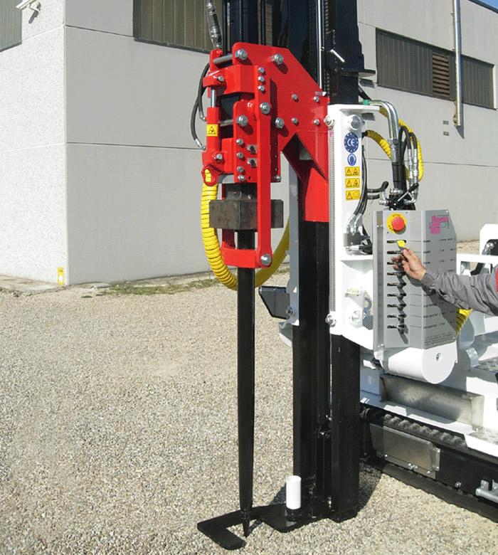 Pile driver machine pour clôtures