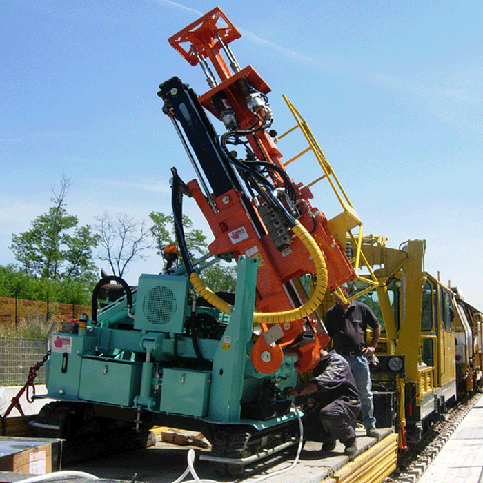 Machine à perforer pour les tunnels