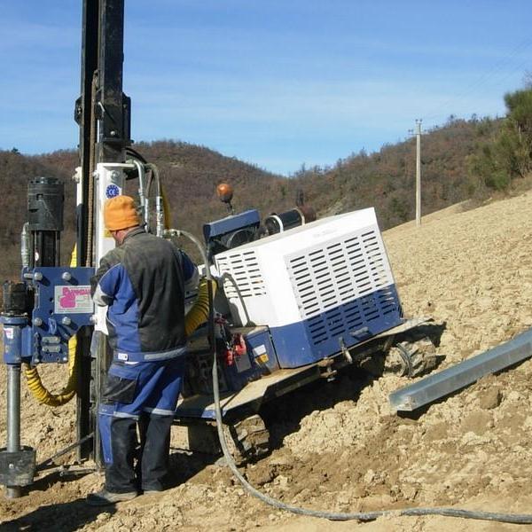 Macchina battipalo mod. 700_Cantiere fotovoltaico in Grecia