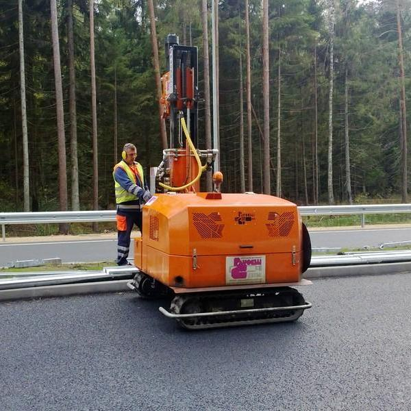 Pauselli Pile driver machine mod. 500 in Latvia