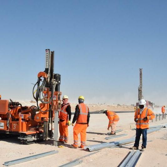 Pauselli Post driver machine in Doha, Qatar