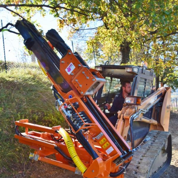 Pile driver equipment Pauselli for skid loader mod. 300B (662x1024)